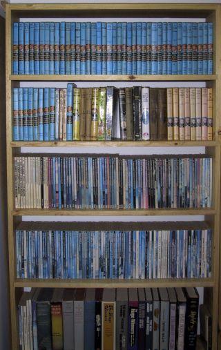 [bookcase]